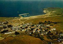 Ile Hoedic - Vue d'ensemble sur le village et le port |