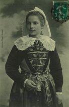 Femme du du Bourg-de-Batz - Etude de la coiffe |