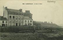 L'Abervrac'h - Le Quai et l'Hôtel |