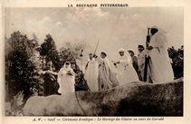 Cérémonie druidique : Le Mariage des Glaives au cours du Gorsedd |