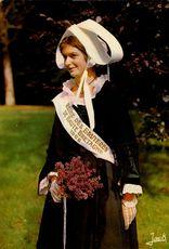 Jeune fille de Dol de Bretagne |
