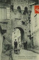 La Rue du Nord et la Porte du Bourreau |