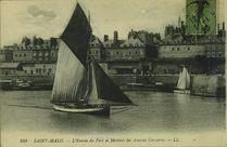 L'entrée du port et maisons des anciens corsaires |