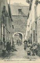 La Ruelle et l'entrée du Château |