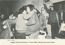 Plogoff. Procès de Quimper. 17 mars 1980. Libération des neuf inculpés. | Sépia