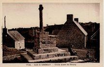 Croix-Autel du Bourg |