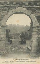 Porte de la Maison de Pierre Landais |