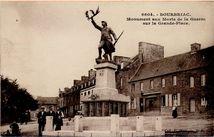 Monument aux Morts de la Guerre sur la Grande-Place  
