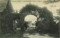 Environs de Brest - Entrée de l'Abbaye  