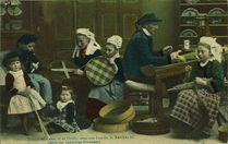Tissage de tamis et de crible dans une famille de Bannalec |