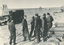 Le 14 Juin 1944 - Le général de GAULLE Le Libérateur prend pied sur le sol de France. | Chevojon