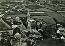 Basilique Notre-Dame consacrée en 1419. Style gothique flamboyant  