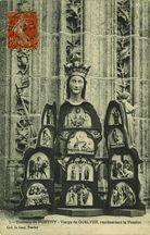 Vierge de QUELVEN, représentant la Passion |