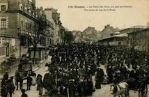 La Place des Lices, un jour de Marché. |