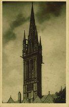 Le clocher de la Chapelle du Creisker haut de 77 m |