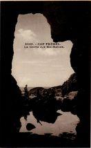 CAP FREHEL - La Grotte des Six-Reines |