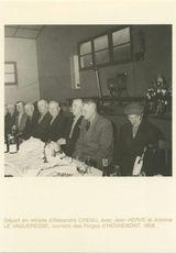 Départ en retraite d'Alexandre CHENU, avec Jean HERVE et Antoine LE VAGUERESSE, ouvriers des Forges d'HENNBONT. 1958.
