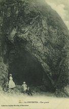 La Contentin - Une grotte |