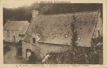 Le vieux moulin sur l'étang du Pellinec  