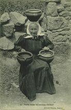 Vieille femme des environs d'AURAY |