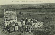 Environs de Callac - La Fontaine de St Maur, le jour du Pardon |