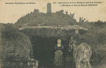 Allée couverte de Ty-ar-Boudiguet (maison de korrigans) à 500 mètres au Nord du Bourg de Brennilis |