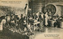 Un des Chantiers de Tirage des Vins de Champagne |