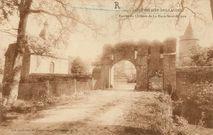 Entrée du Château de la Haye-Saint-Hilaire |