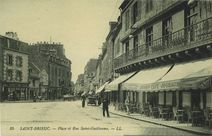 Place et Rue Saint-Guillaume |