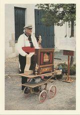 FIGURE NANTAISE: M. DANIEL bien connu des chineurs de la Place Viarme LE GRAND LEON ET PAQUITA |