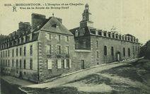L'Hospice et sa Chapelle - Vue de la Route du Bourg-Neuf |