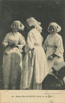 Jeunes filles de Goulien (Coiffe du Cap Sizun) |