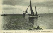 Thonnier en pêche. Les Tangons (perches où sont attachées les lignes) sont abattus |