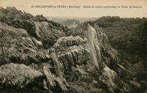 Détails de rochers surplombant la Vallée de Gueuzon |