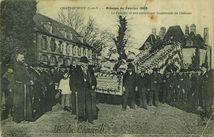 Mission de Février 1909 - Le Crucifix et son escorte sur l'esplanade du Château |