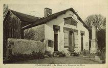 La Mairie et le Monument aux Morts |
