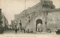 La Rue Jacques Cartier et la Grande Porte |
