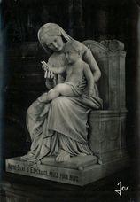 Cathédrale Saint-Corentin Notre-Dame d'espérance Statue vénérée de la Vierge à l'enfant cette statue de marbre fut sculptée en 1846 par Mr Ottin |