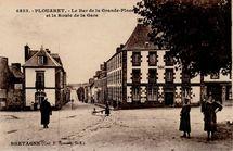 Le Bar de la Grande-Place et la Route de la Gare |