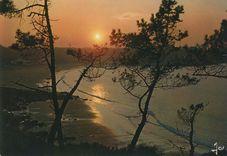 Coucher de soleil sur PERROS-GUIREC (C.-du-N.)  