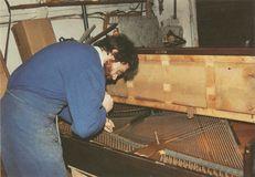 M. LOVETT, réparateur-accordeur de pianos, Cherbourg (50), avril 1991 | Bordier J.C.