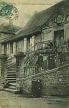 La Vieille Mairie et son pittoresque Escalier |