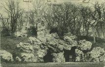 Environs de Cancale - La grotte du Bois-Renou  