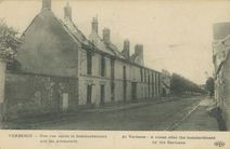 Une rue après le bombardement par les Allemands  