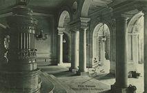 L'Hôtel de ville - Le Péristyle |