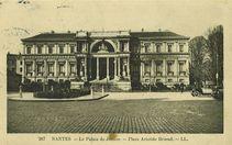 Le Palais de justice - Place Aristide Briand |