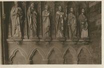 Le Porche des Apôtres |