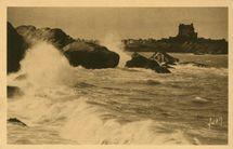 PLOUMANACH - Les rochers par grosse mer |