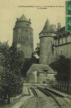 Les ponts et les tours du château |