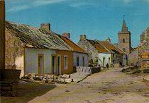 Rue Nord du Village et l'Eglise |
